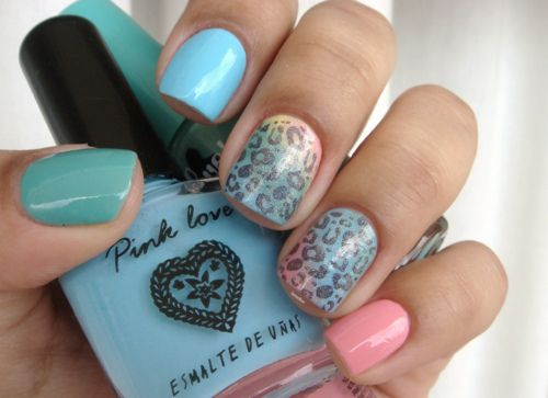 animal print trend: bright nails with leopard spots