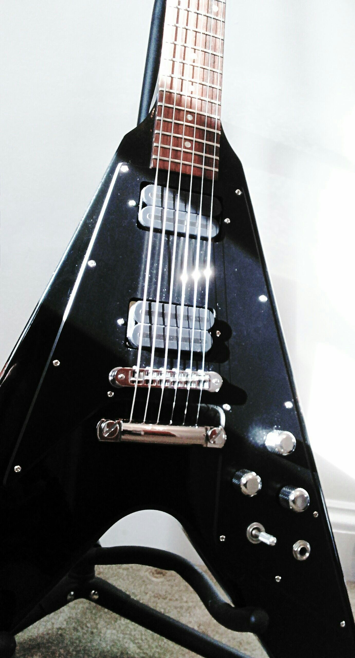 1991 Gibson V with DiMarzio X2N and D-Activator X pickups