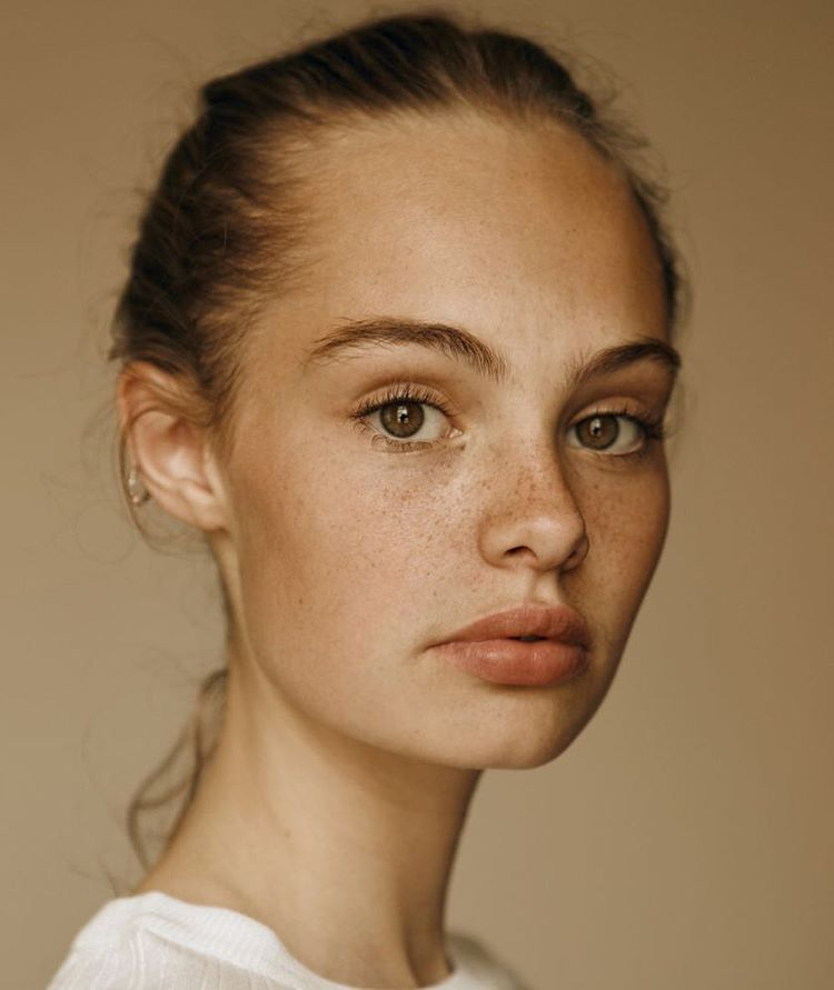 Pin By Sara Tepes On References For Art Model Face Portrait Inspiration Portrait