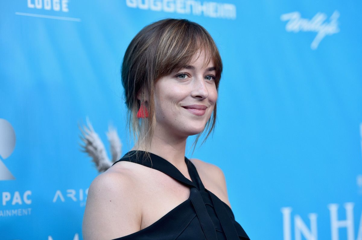 Dakota Johnson's February 'Vogue' Cover Is...Disappointing