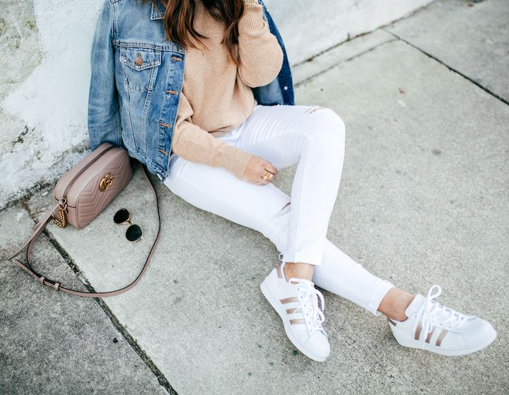 White Jeans + A Camo Hat | Adidas superstar outfit, White ...