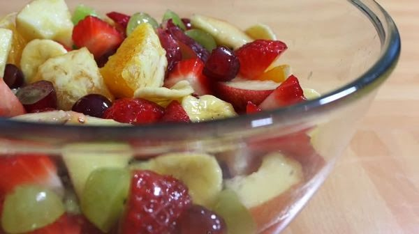 Fruit Salad Recipe - I can eat it every day and never get tired of it. Fruit salad are delicious, healthy and very easy to make. This one is going to take less than 10 minutes. Remember that these kind of salads are great way to introduce all kinds of seasonal fruit to your kid. Watch video tutorial here: http://easykidzrecipes.blogspot.com/2014/01/fruit-salad-recipe.html