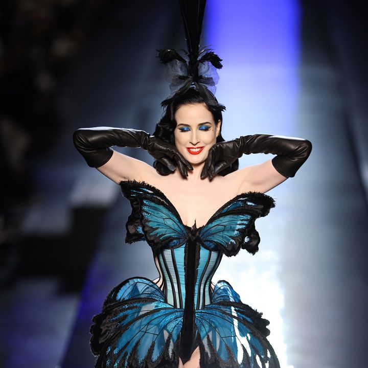 dita von teese en papillon pour jean paul gaultier au defile haute 720 720. Black Bedroom Furniture Sets. Home Design Ideas