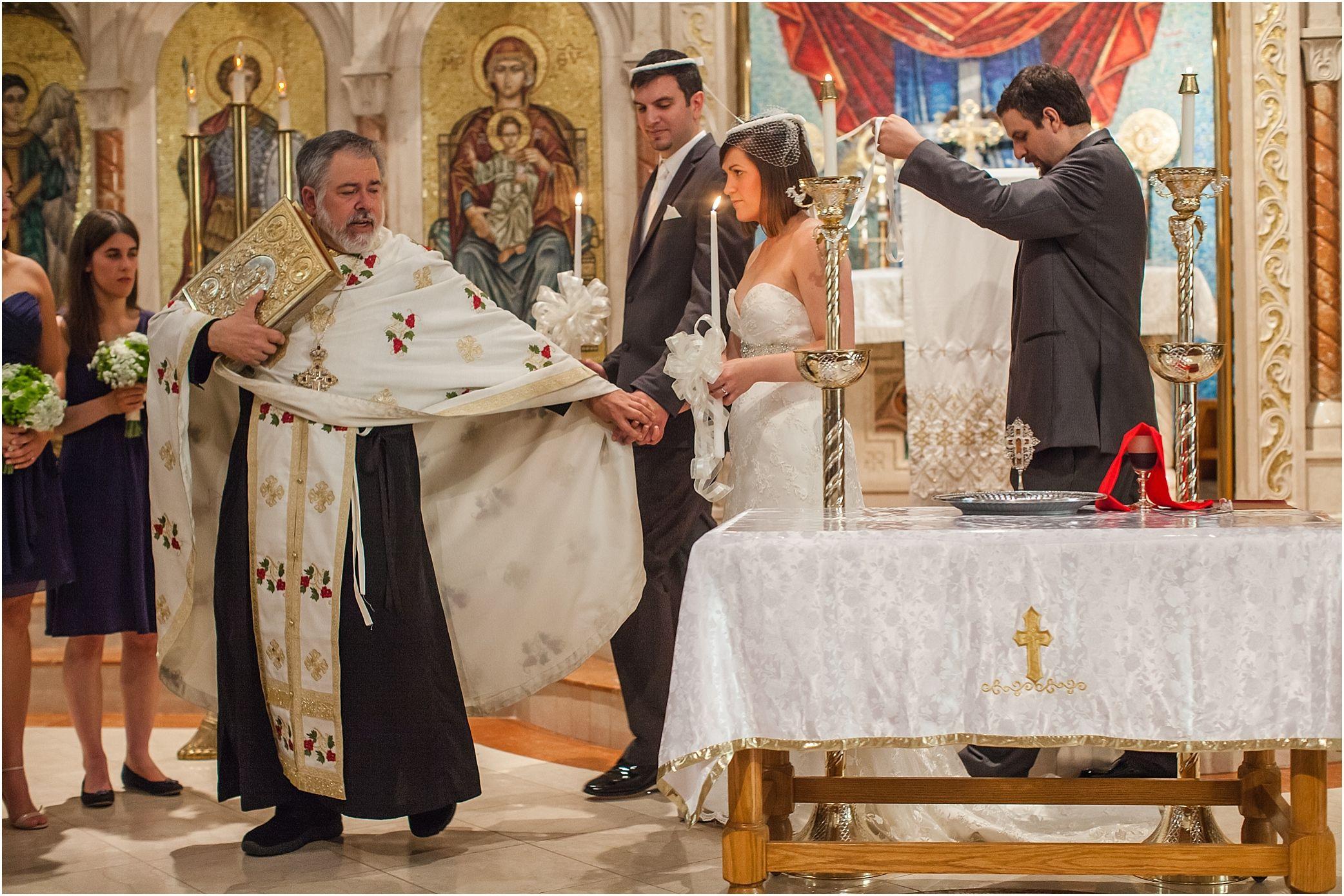 Pin By Vetta Kelepouris Agnos On Paradosiakos Ellhnikos Gamos Greek Wedding Greek Wedding Traditions Orthodox Wedding