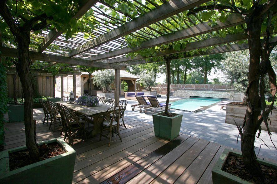 Grote sfeervolle veranda in franse moderne karakteristieke for Franse tuin