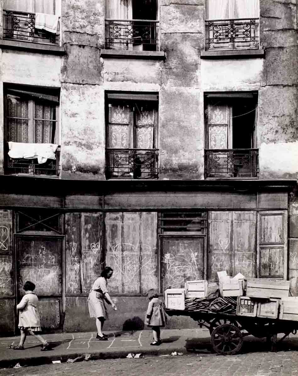Hopscotch Paris 1954 Edith Gérin