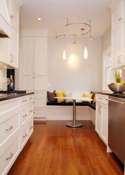 Galley Kitchen With Breakfast Nook Kitchen Keukens Keuken