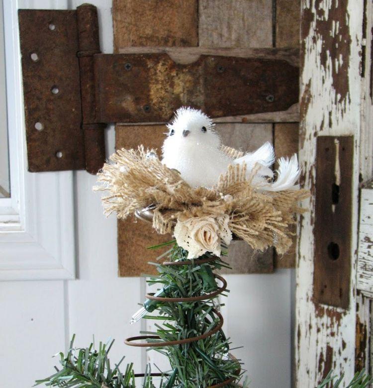 Die christbaumspitze mit einem vogelnest dekorieren winter - Leinwand dekorieren ...