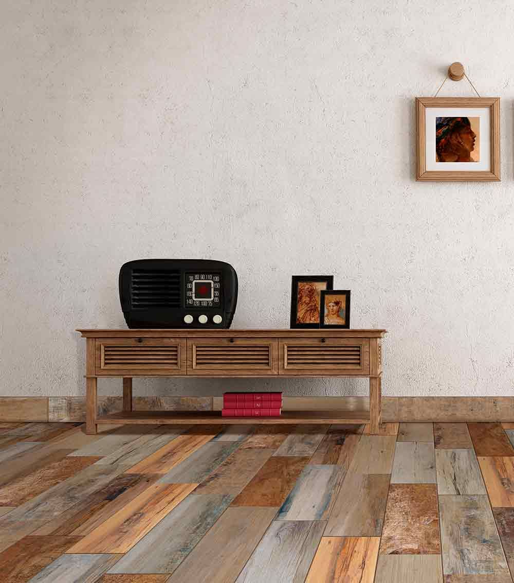 Piso cerámico tipo madera Color: Mix Caoba Medida: 18x55 cm Tipo ...