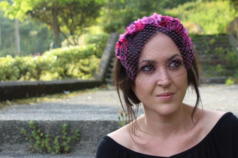 Adornos para el pelo y tocados - Diadema Flores Lilas para boda ... dcd3cf43c3f4
