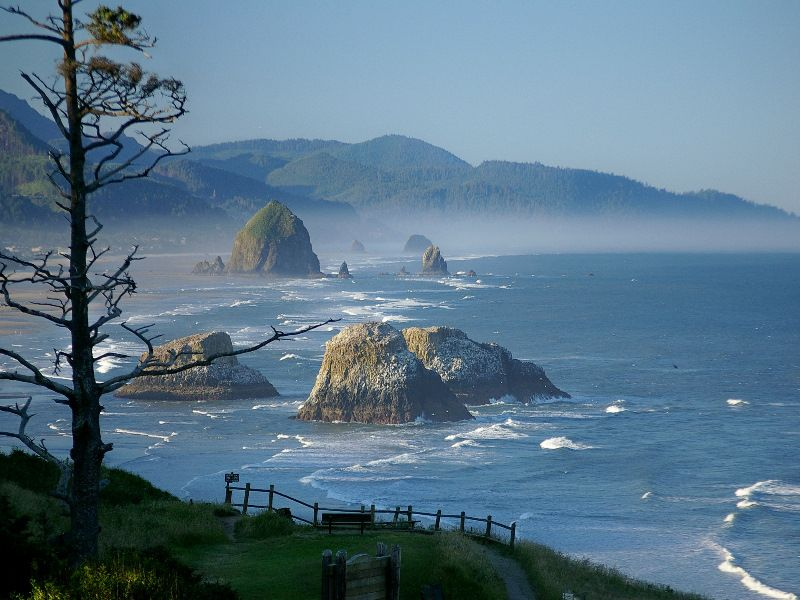 Cannonbeach And Haystack Rock Oregon