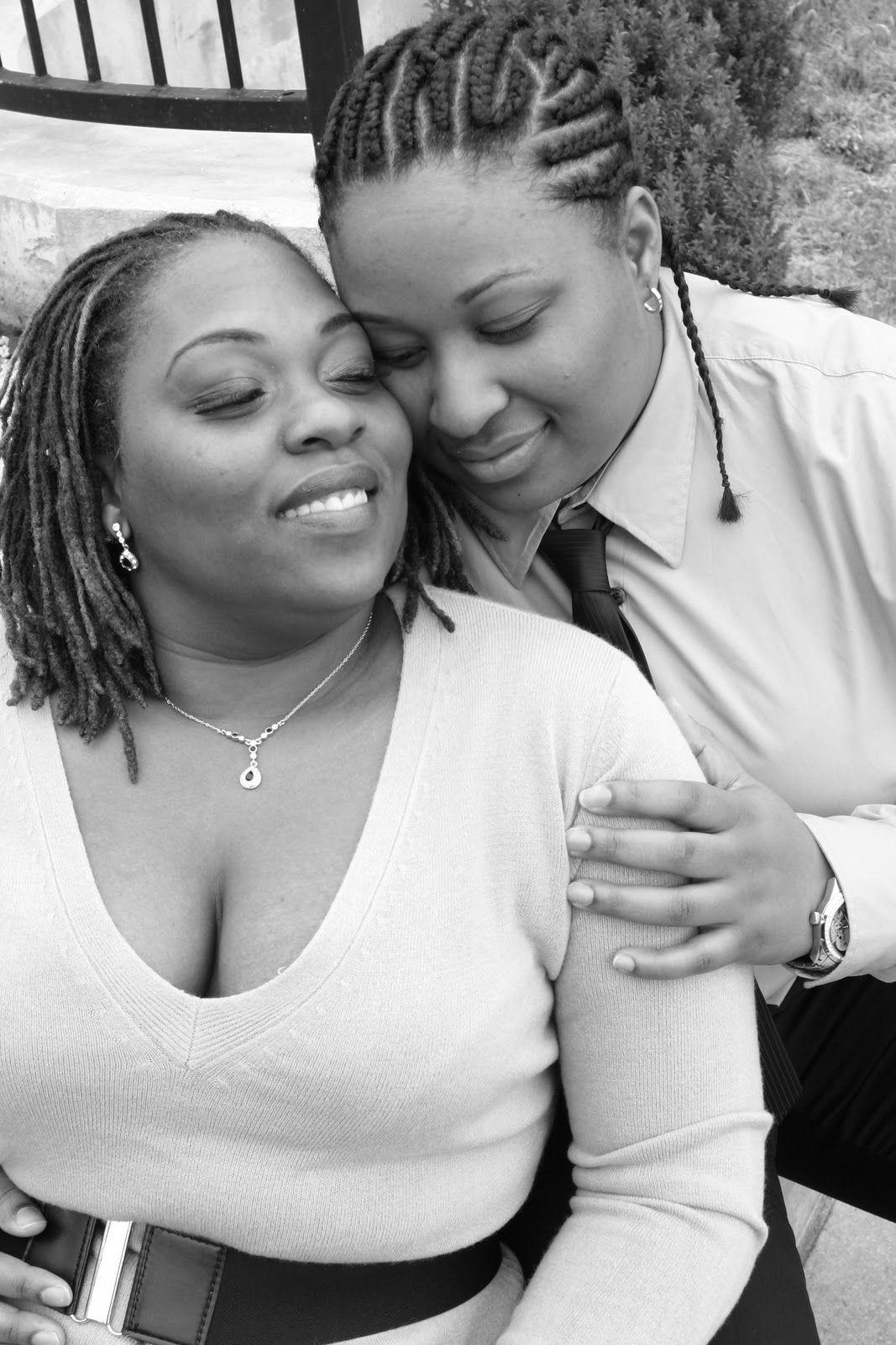 black lesbian with white lesbian Black Lesbian Lets White Girl All Up On Her Pussy Video - Porn.com.