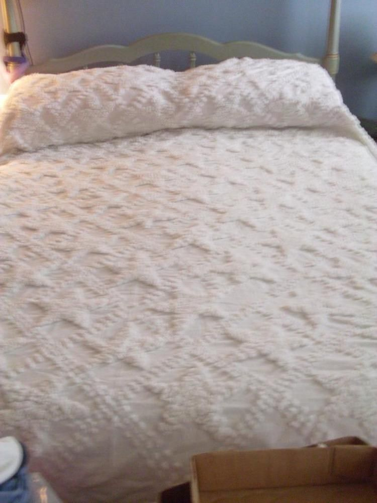 Chenille Bedspreads.Pin By Vintage Chenille Bedspreads On Popcorn Chenille Bedspreads