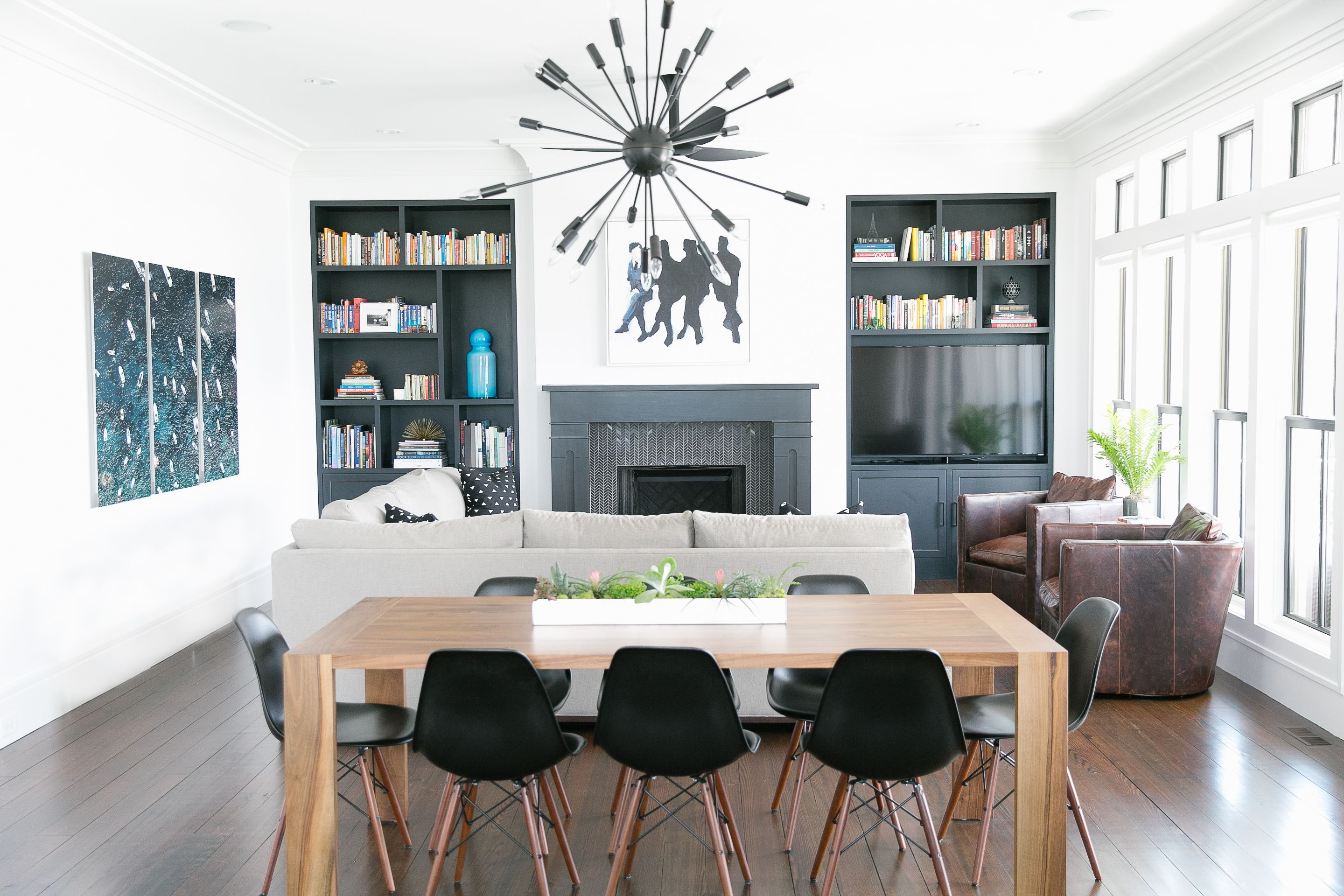 charleston home design%0A Charleston SC  Melissa Lenox  an interior designer and longtime California  girl  brings a dose of West Coast style to her new home on the banks of the
