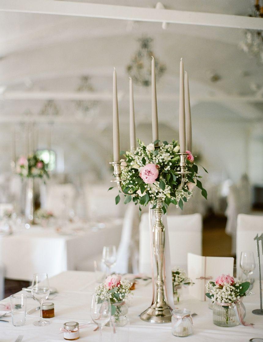 Tischdekoration Hochzeit Schloss Obermayerhofen C Melanie Nedelko Fotografie Castle Wedding Wedding Wedding Decorations