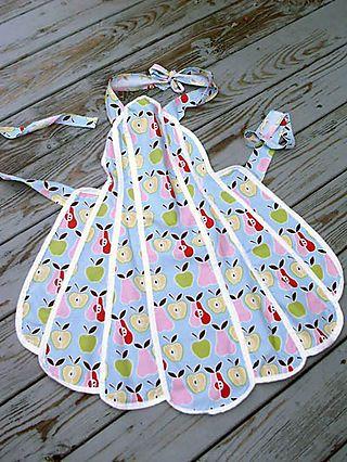 cute apron looks like the FREE Susan Branch Pattern | Delantales ...