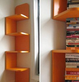 Aproveitar o espaço com prateleiras de canto | Pinned from Likaty.com