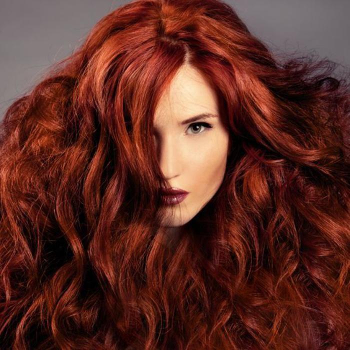 Coloration acajou sur cheveux roux
