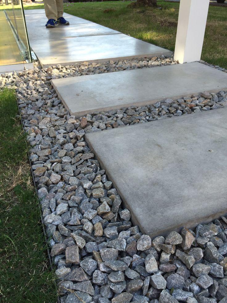 Resultado de imagen para caminos de baldosas de cemento y - Losas para jardin ...