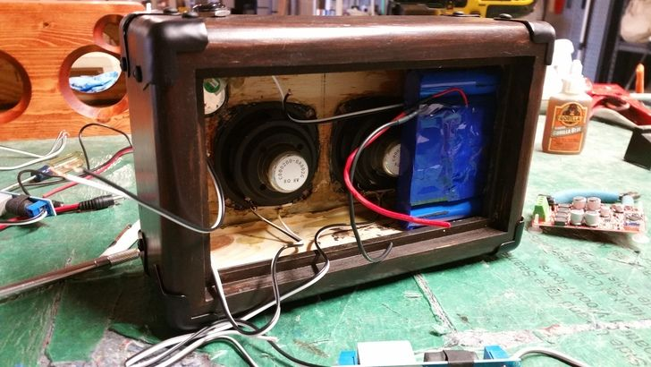 The Pilgrim Build From Reddit Https Www Reddit Com R Diysound Comments 64jmt5 The Pilgrim Bluetooth Speaker Build Xpost Built In Speakers Box Fan Building