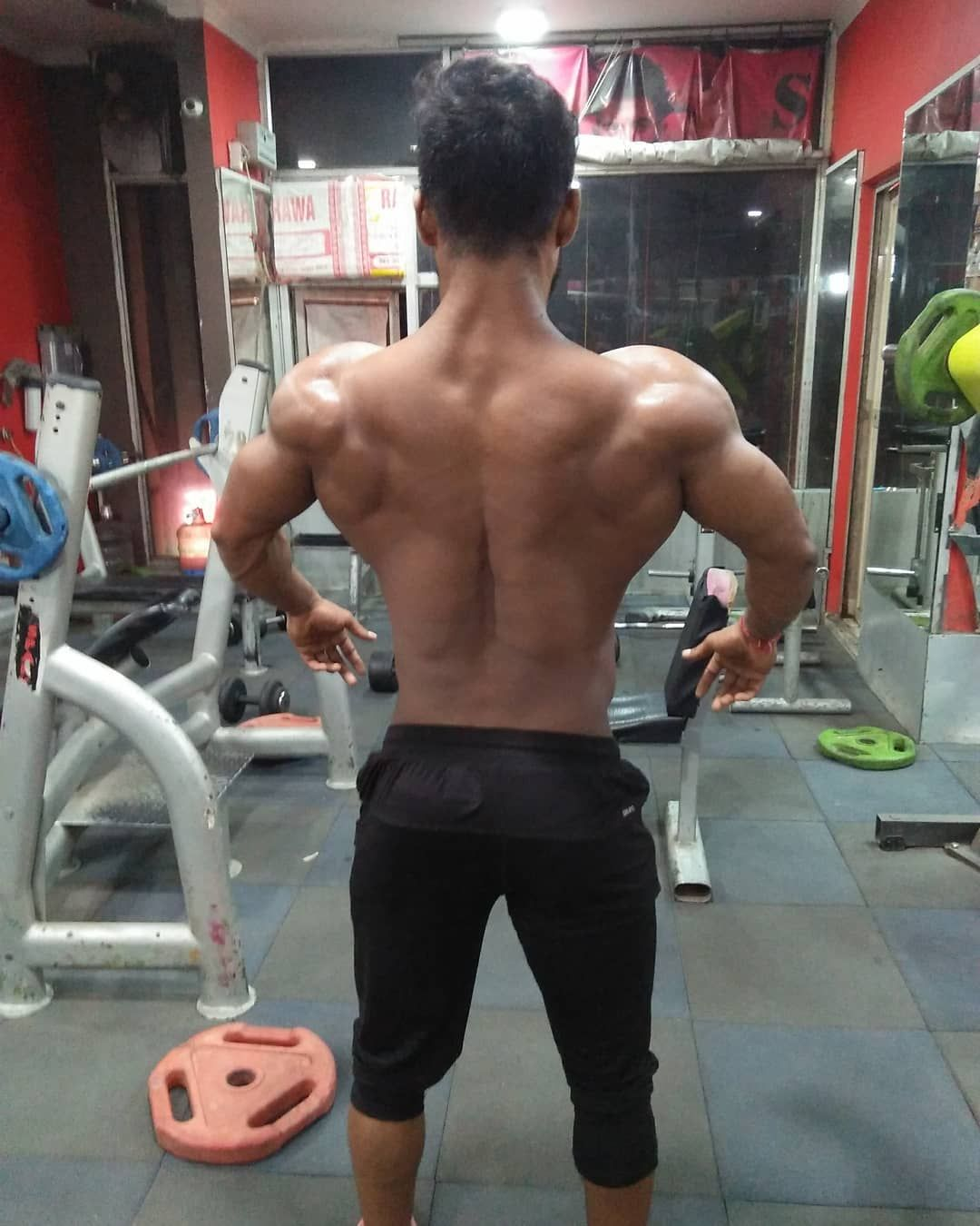 💪🏋️🥦🥦🥝O #instafit #motivation #fit #TFLers #fitness #gymlife #pushpullgrin...