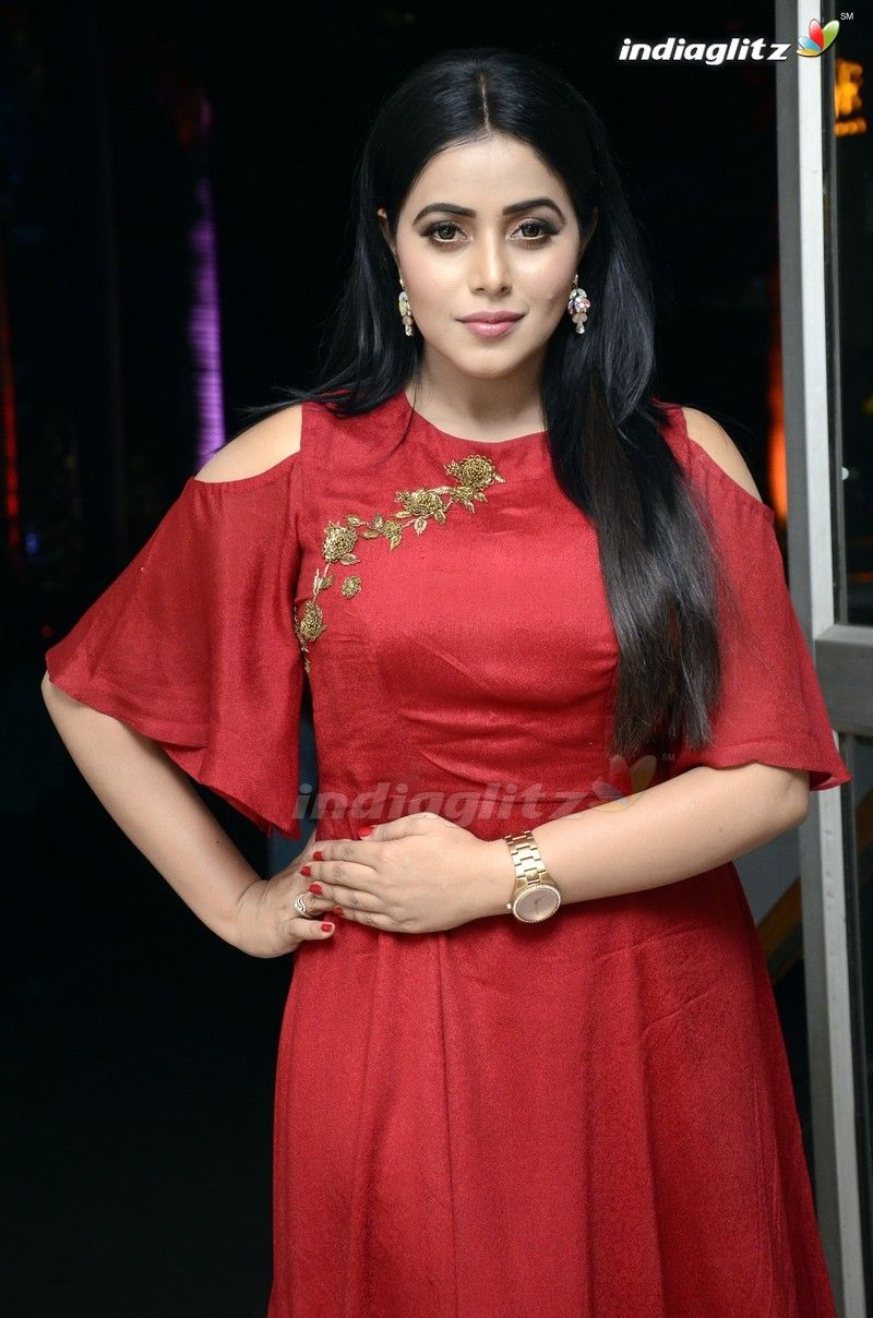 Poorna Indian Dresses For Women Most Beautiful Indian Actress Beautiful Indian Actress
