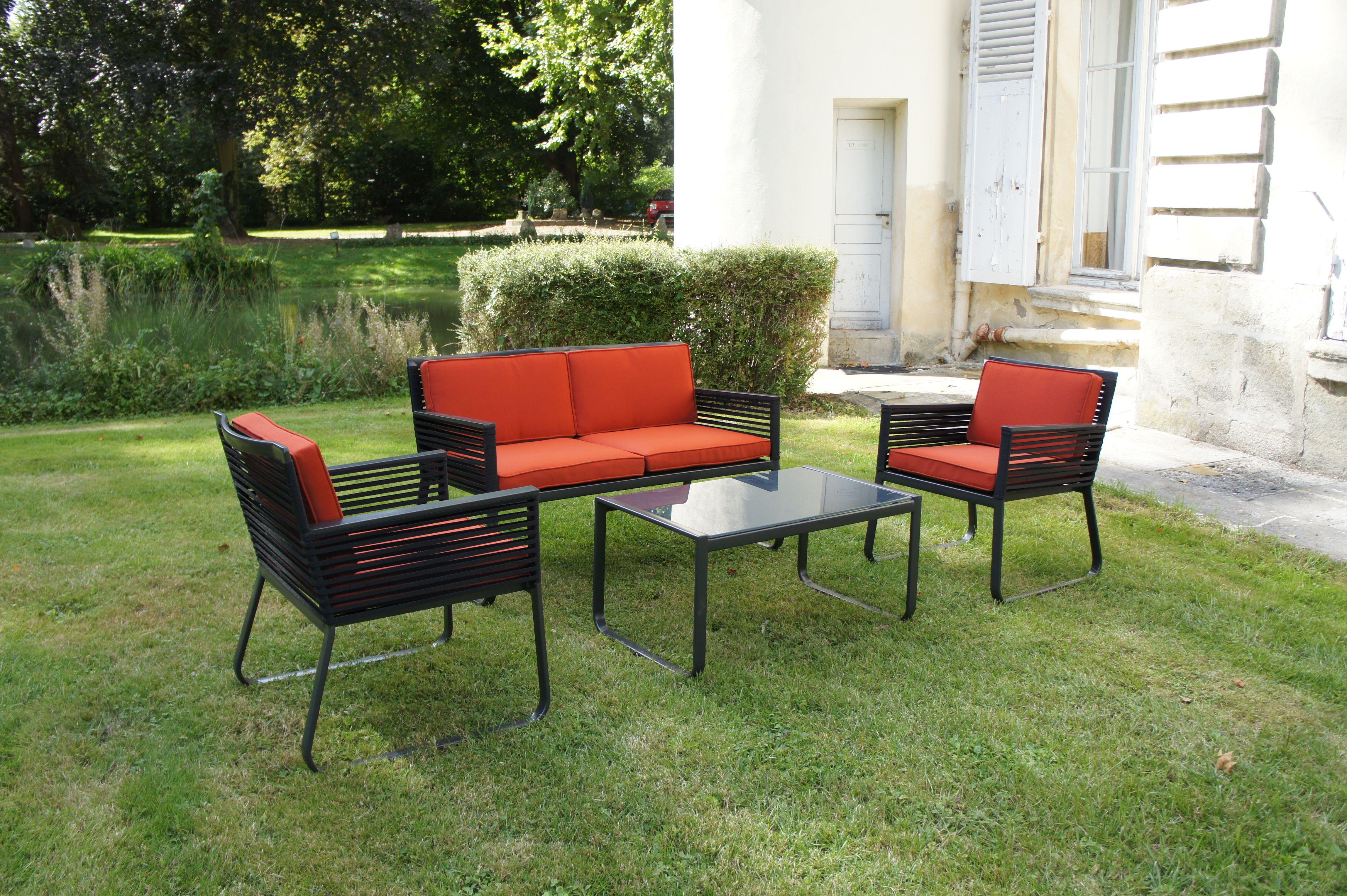 Le Salon Sahara Est Disponible En Couleur Anthracite Avec Des Coussins Couleur Terracota Salon De Jardin Table Et Chaises De Jardin