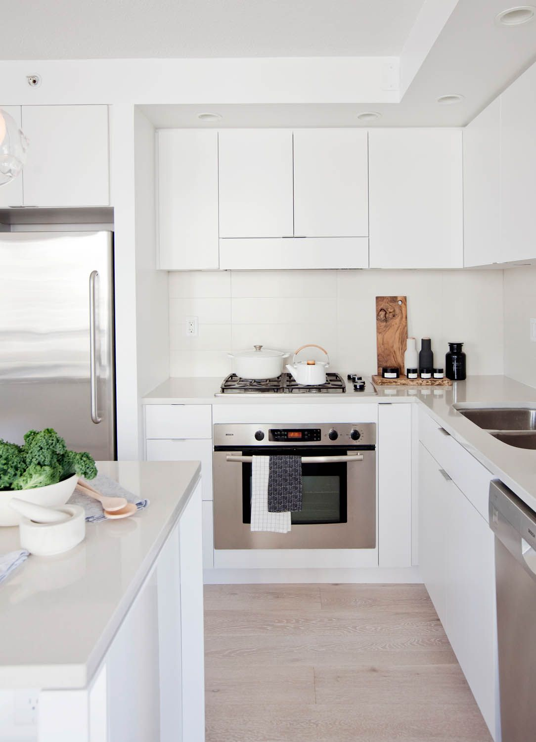 A Nordic Style Starter Home In Vancouver Rue Kitchen Inspiration Design Kitchen Inspiration Modern Small Kitchen