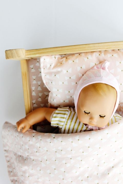 IKEA Doll Bed Sheet Set Tutorial | Doll beds, Dolls and Tutorials