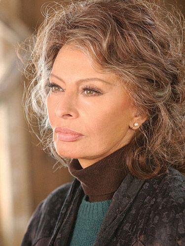 sophia lorenthis woman has been beautiful all of her life - Sophia Loren Hair Color
