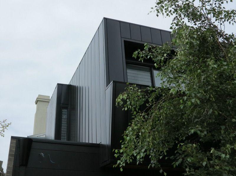 Striking Residence features Colorbond Interlocking Panels