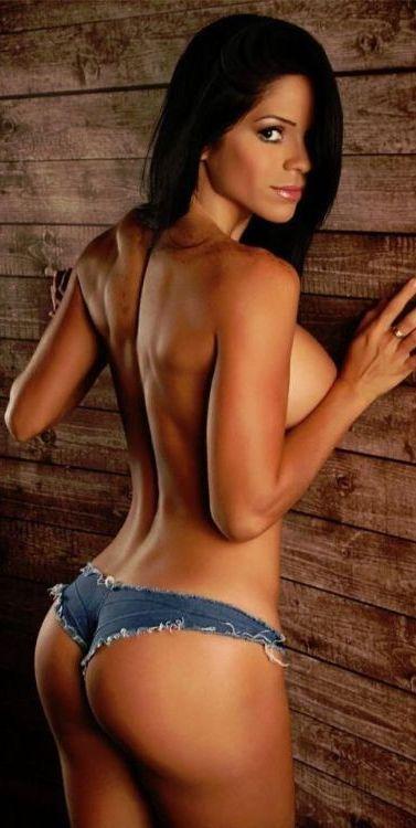 Hot Sexy Farm Girls