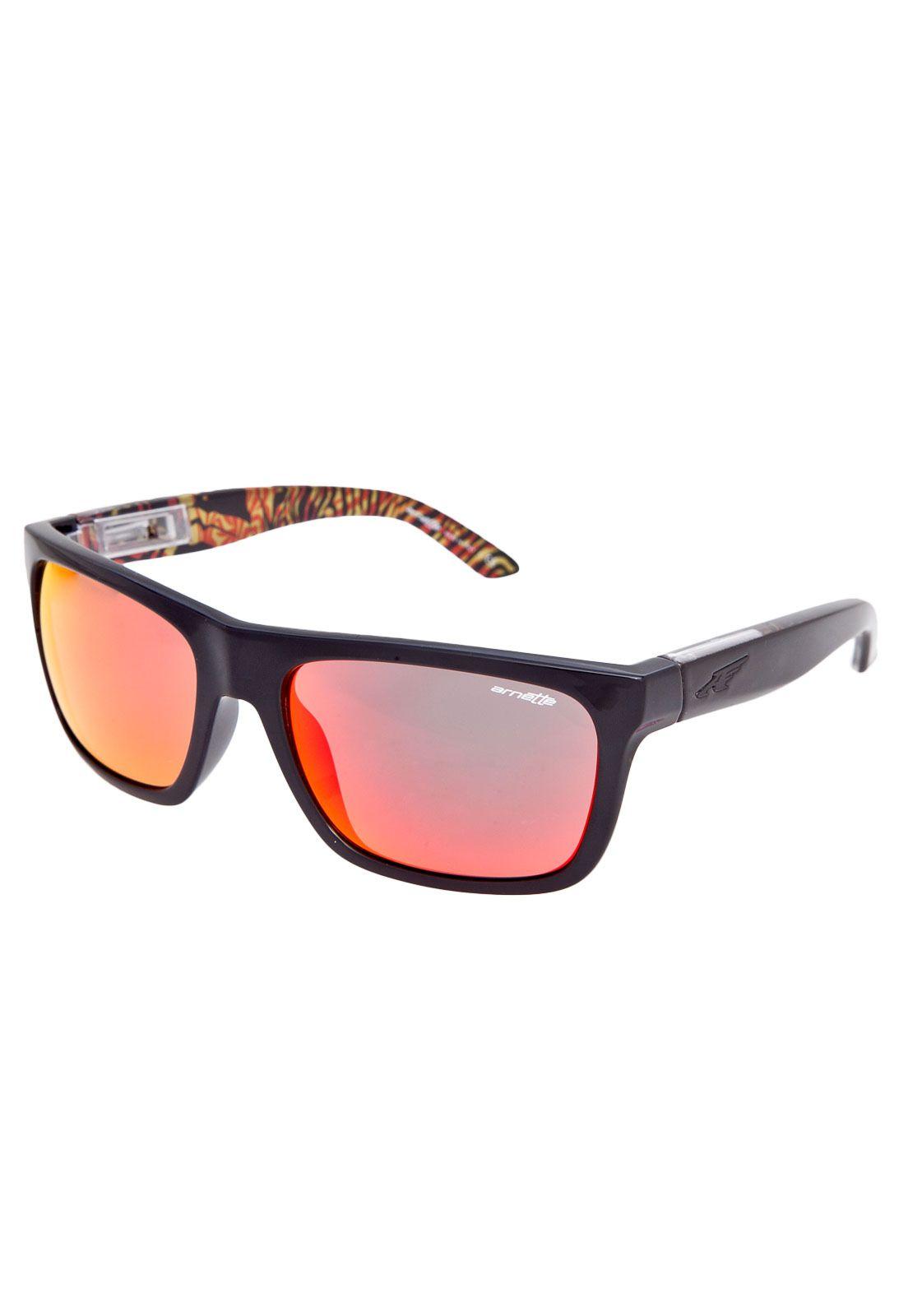 39910d4396116 Óculos solares arnette psychedelic preto feitos em nylon com armação  fechada de 15cm de largura frontal. apresentam lentes geométricas em  policarbonato.