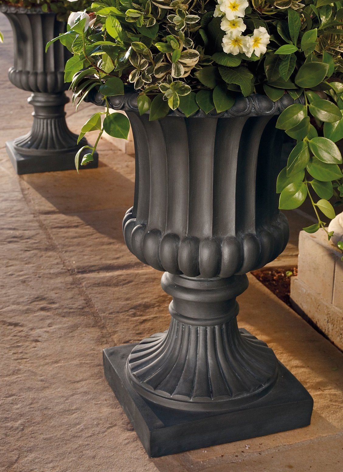 If You Are Looking For The Quintessential Classic Planter To Add To Your Garden Terrace Or Entryway Look No Fu Outdoor Urns Tuscan Design Tuscan Decorating