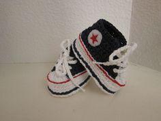 Ravelry: patrón de ganchillo bebé Converse por Suzanne
