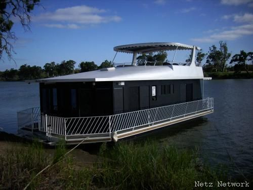Bella Casa Houseboat