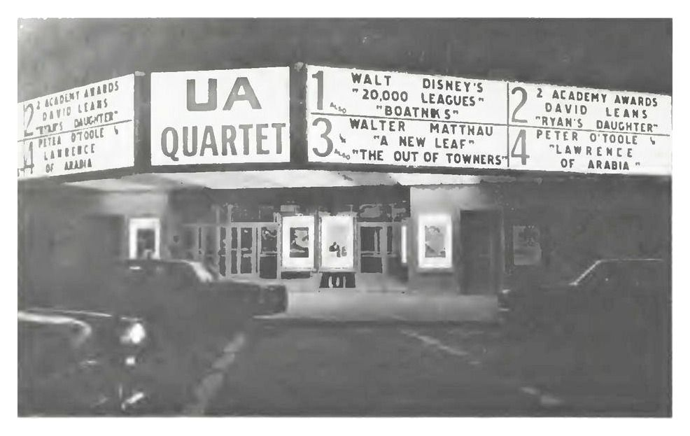 The Ua Quartet In Flushing Ny Was The Countrys First Quad Cinema For More Classic Pictures Of The 60 S 70 S And 80 S Please Queens Nyc Flushing Real Movies