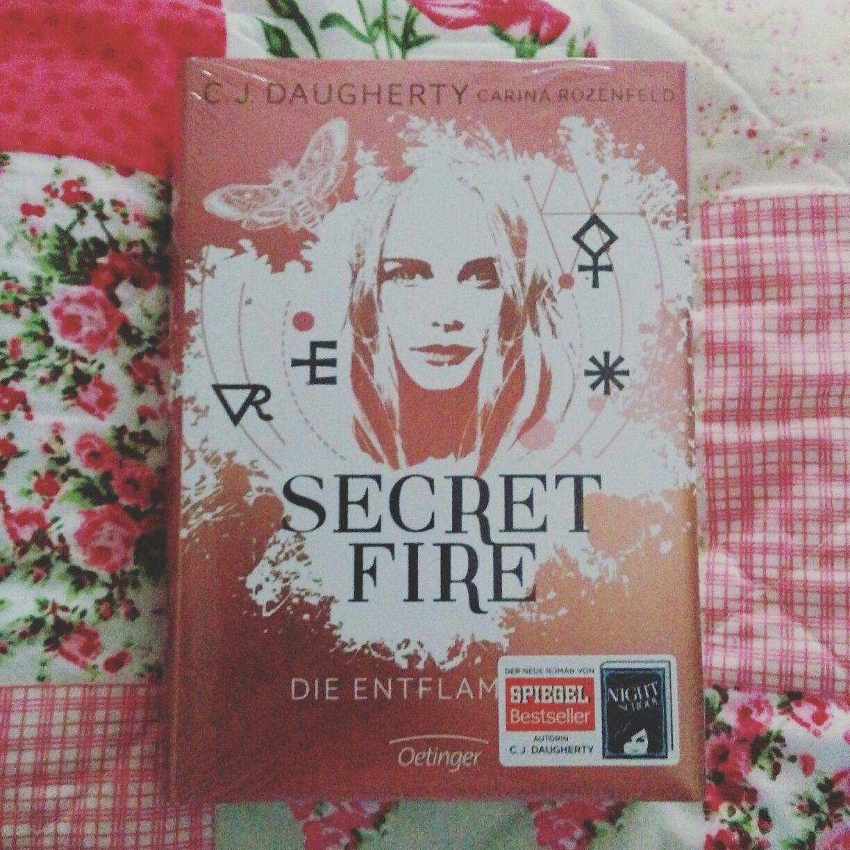 Secret Fire - Die Entflammten ist heute bei mir eingezogen. Ich bin gespannt was mich erwartet.
