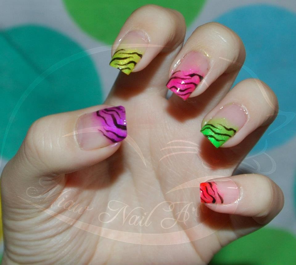 Pink zebra nails nails pinterest - Colorfull Zebra Nails