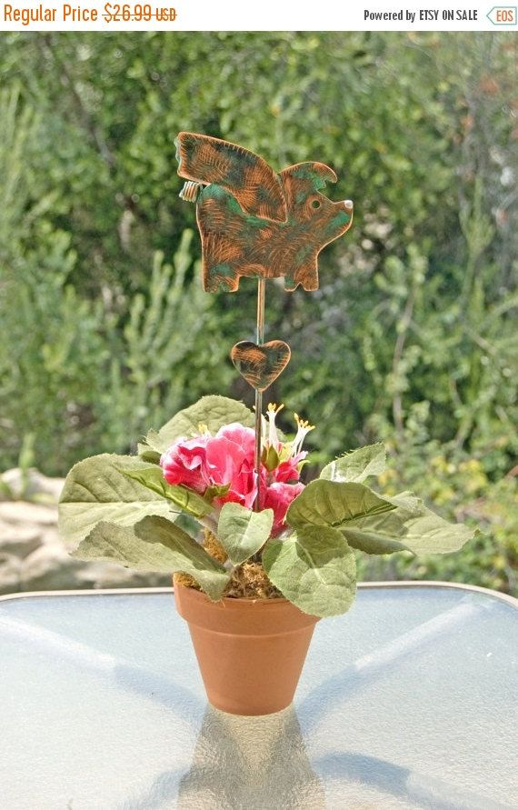 Pig Decor / When Pigs Fly / Metal Yard Art / Plant Stake / Copper