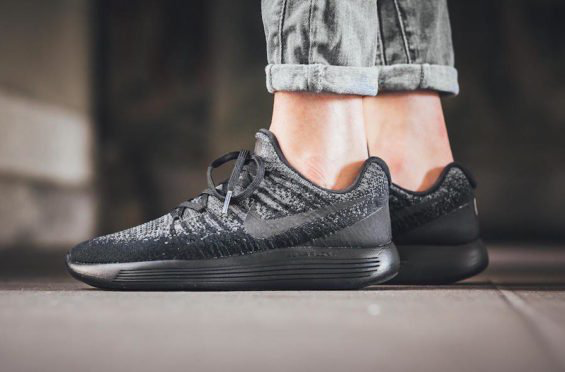 On Feet Images Of The Nike Lunarepic Low Flyknit 2 Dark Grey Sneakerscartel Com On Feet Images Sneakers Fashion Pumps Adidas Fashion Fashion