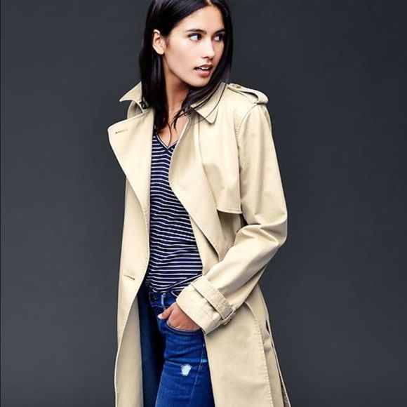 new style 12f0c e7df8 GAP trendy raincoat Classy and elegant beige/cream colored ...