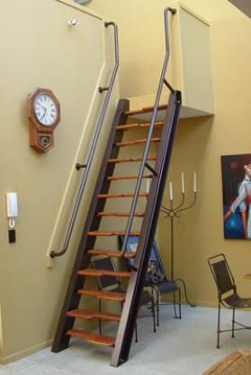 ladder stairs tiny house cabin design pinterest combles echelle escalier et maison. Black Bedroom Furniture Sets. Home Design Ideas