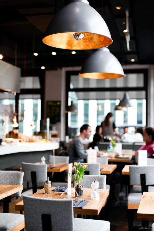 CHIPPS  FOR EGGS BENEDICT -  Jägerstraße 35, 10117 Berlin Mitte – visit website  Mon–Fri 8:00–22:00 , Sat–Sun 11:00–22:00  .