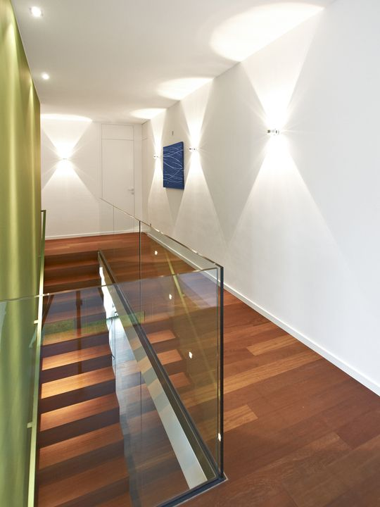 Haus t m nchen treppe treppe treppe haus und haus - Wandleuchte treppenaufgang ...