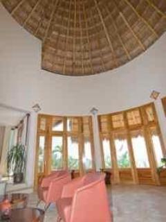 Sala de estar y techo de palapa Tulum $4,009