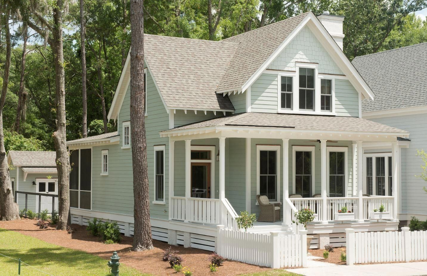 Pay A Visit To Our Niche Site For Even More Pertaining To This Delightful Photo Beachcottage Small Cottage Homes Small Cottage House Plans Cottage House Plans