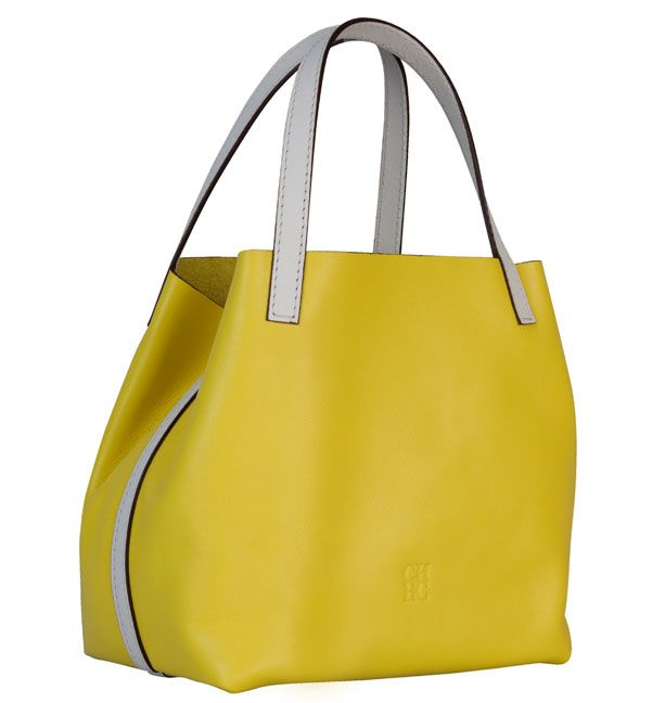 Conoce el bolso de Carolina Herrera Mini Matryoshka Edición limitada ... d9a8f1d8cb5c