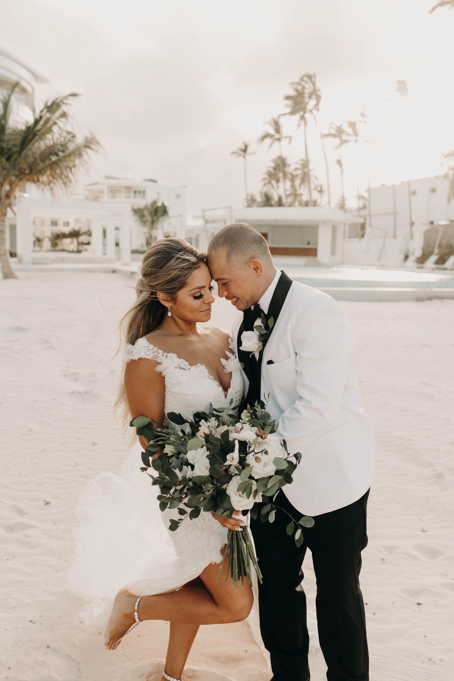 Destination Wedding In Punta Cana In 2020 Orange County Wedding Photographer California Wedding Photographers Orange County Wedding