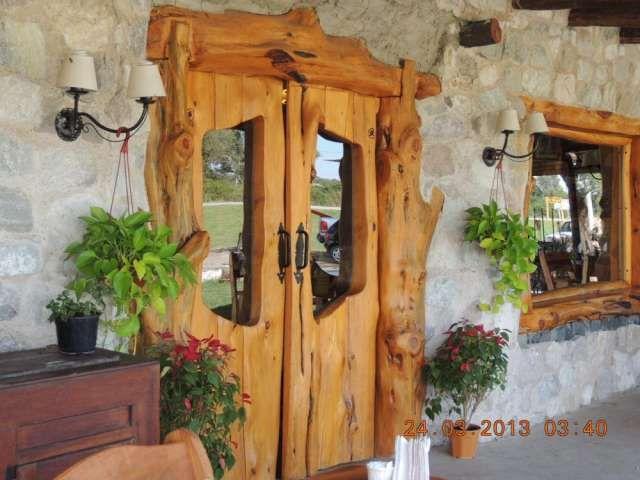 Puerta bariloche puerta portera porton tranquera potal for Puertas principales de madera rusticas